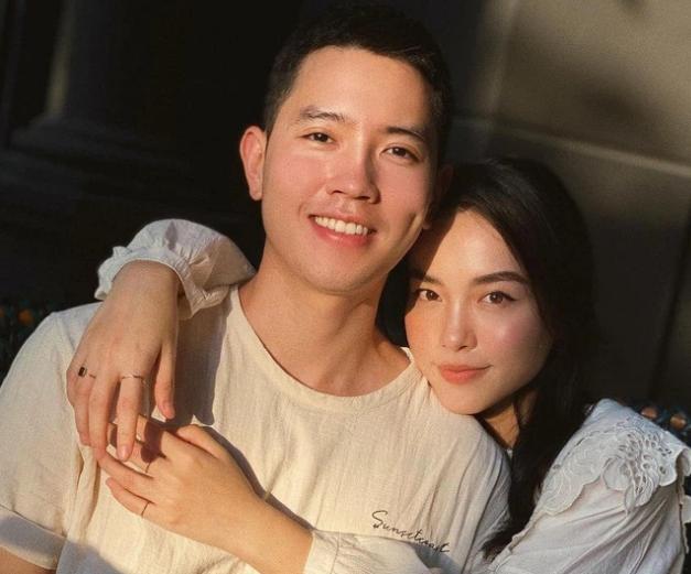 Travel blogger kể chuyện yêu cơ trưởng trẻ nhất Việt Nam