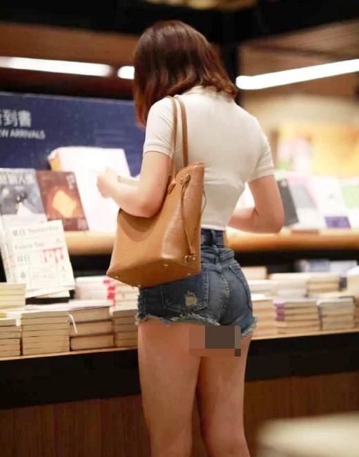 Phản cảm mốt quần shorts không đủ che vòng 3 thị phi