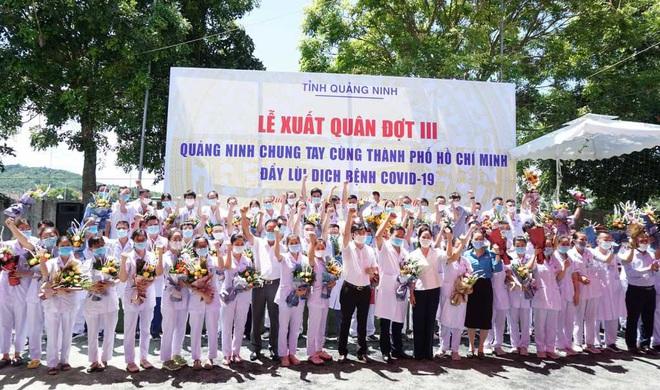 70 y bác sĩ Quảng Ninh lên đường chi viện TPHCM
